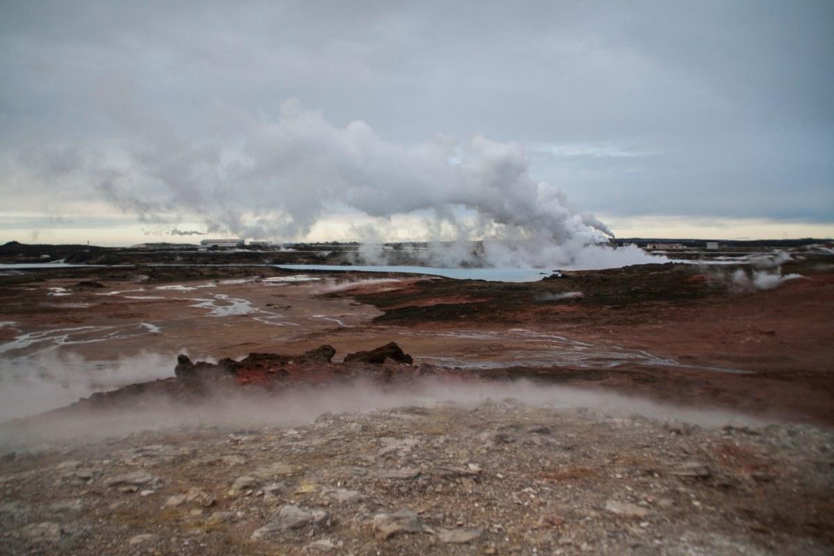 האדמה הגעשית של חצי האי רייקיאנס איסלנד