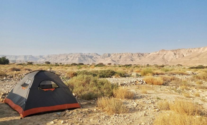 בית לארבעה אנשים בלב המדבר