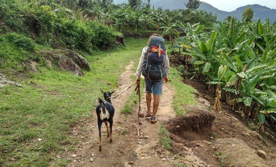 מטיילים כמו המקומיים ברואנדה :)