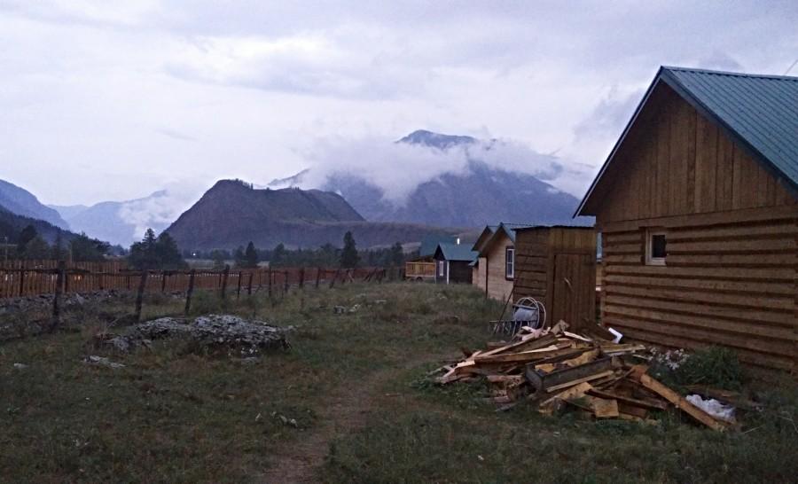 אתר הקמפינג בכפר צ'יביט בסיביר