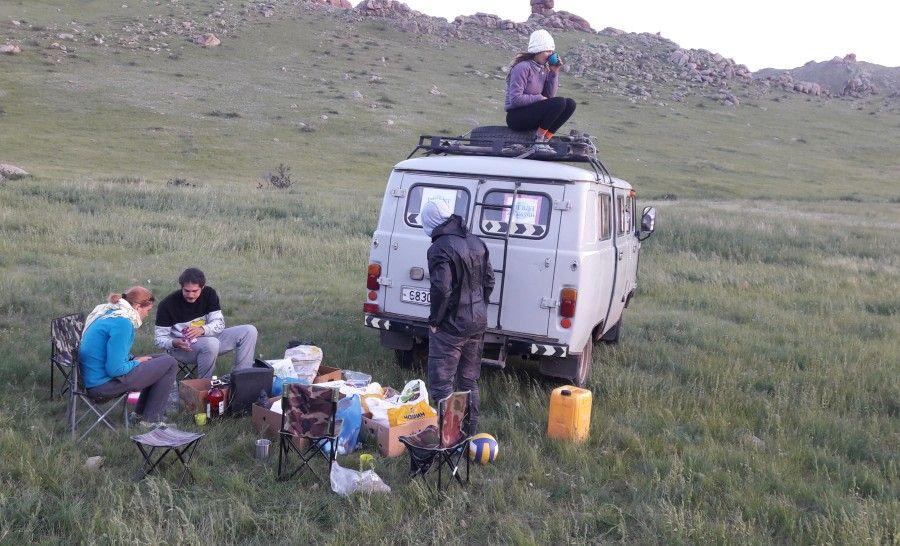ארוחת ערב במדבר גובי