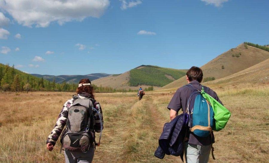 הולכים ברגל אל שבט איילי הצפון