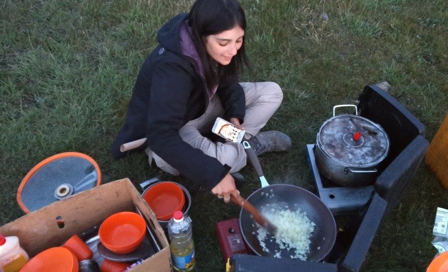 הכנת ארוחת הערב במונגוליה