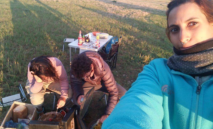 מבשלים אוכל טבעוני במונגוליה