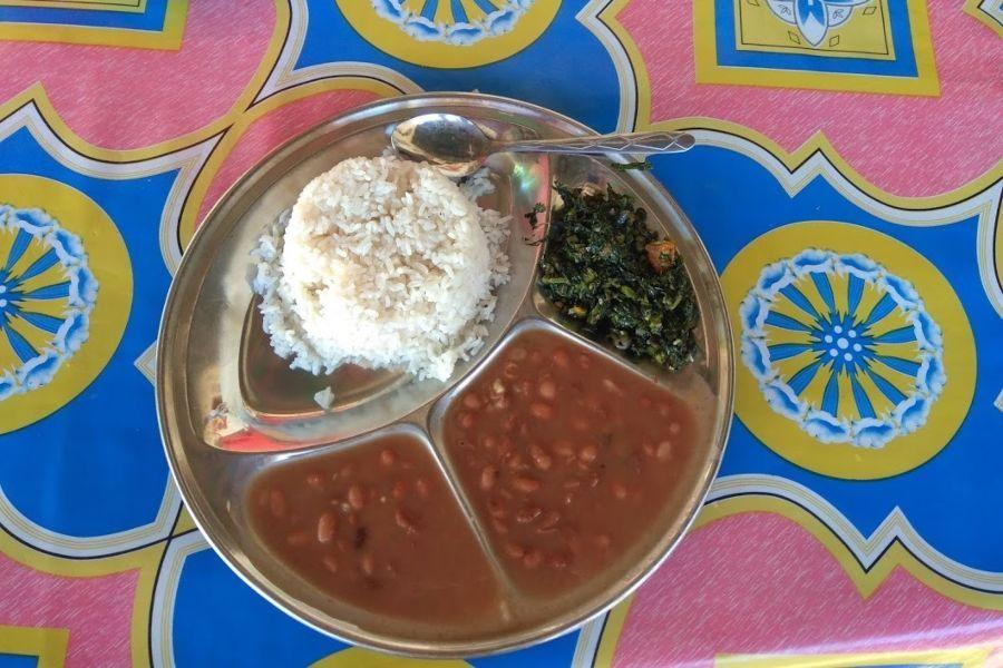 ארוחה טבעונית בטנזניה