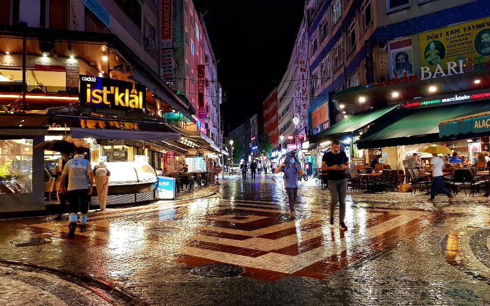 איסטנבול בשעות הלילה