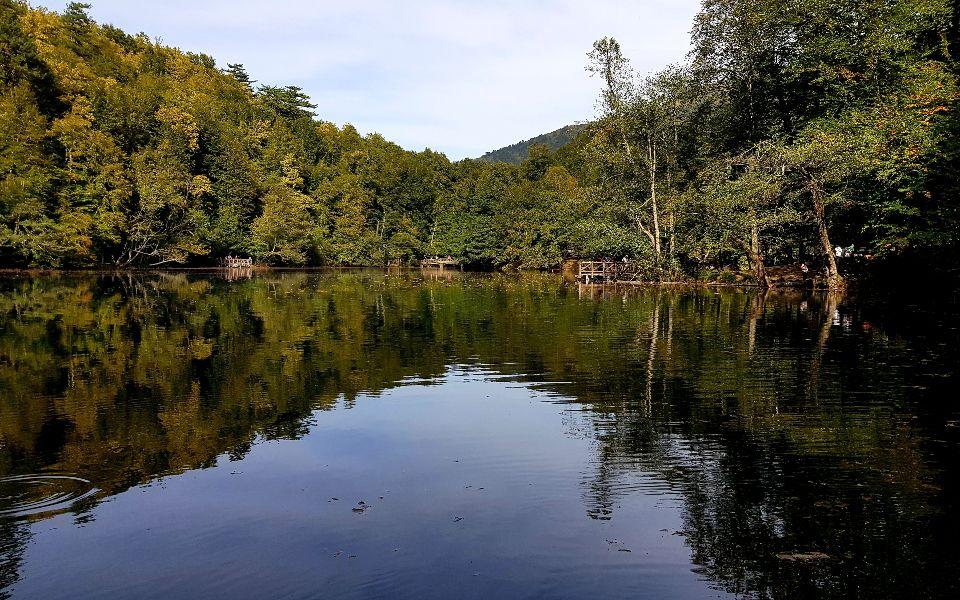 אחד משבעת האגמים